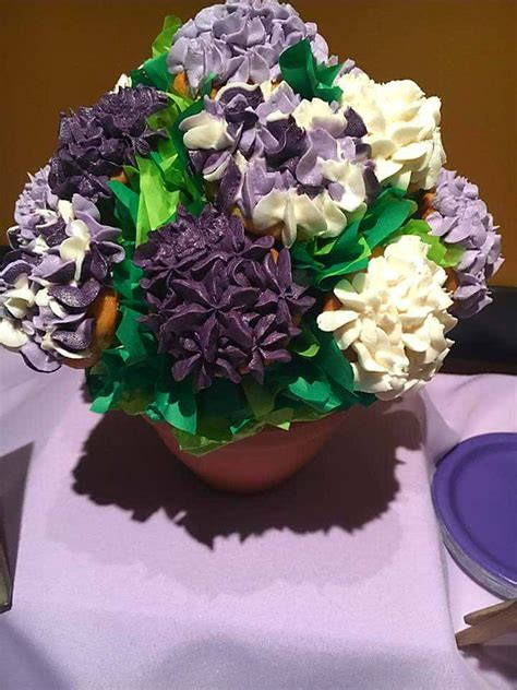cupcake arrangements for bridal shower cupcake bouquet and how to transport them cakecentral