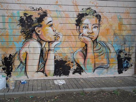 lesbiche in vasca alic 232 a arte urbana no feminino