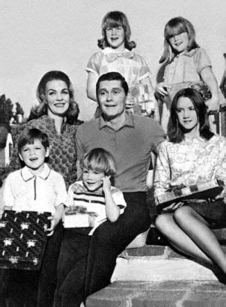 elizabeth montgomery s family tree bewitched 108 best our favorite darrin images on pinterest