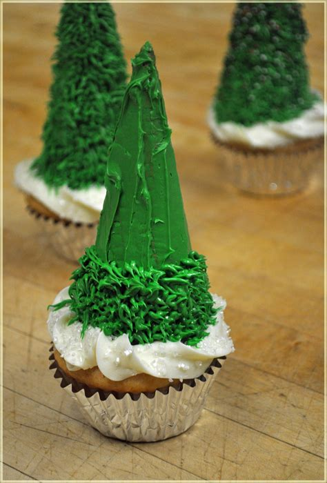 christmas tree cupcakes recipe mommy s fabulous finds