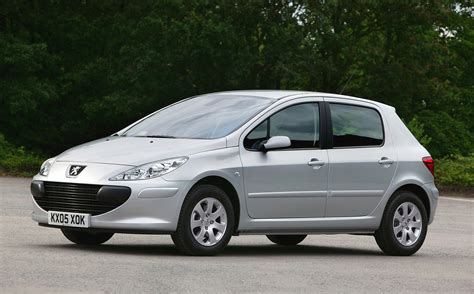 peugeot cars 2006 peugeot 307 hatchback review 2001 2007 parkers