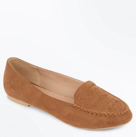 suitable shoes for flat these fashioned flat shoes are back in style and