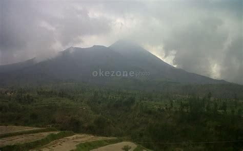 film kisah nyata gunung merapi dari mistis hingga tawa kisah wartawan di balik erupsi