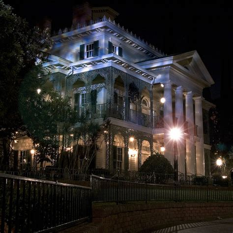 haunted house disneyland disneyland haunted mansion