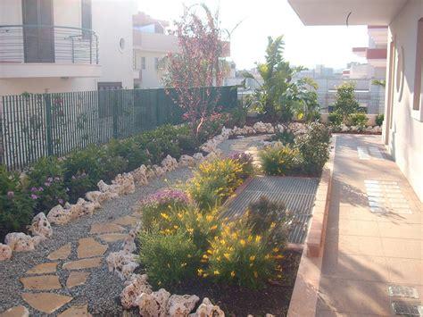 allestimento giardino vendita roccia in ceste e grandi esemplari di roccia
