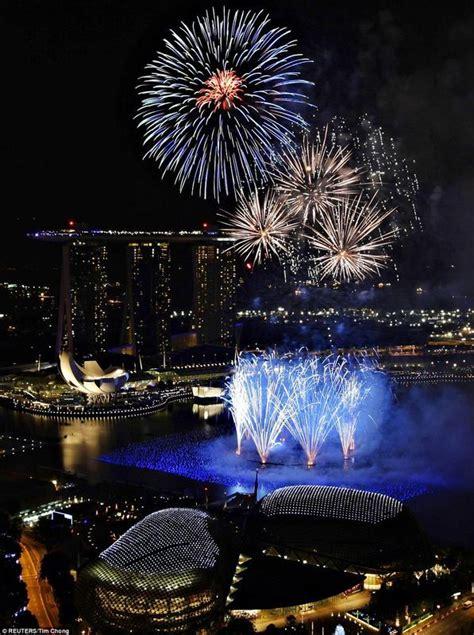 nightlife singapore new year fireworks new year singapore image 360404 on