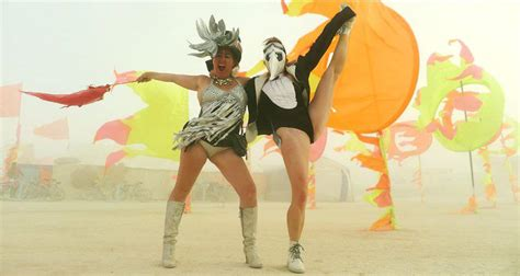 comfort and joy burning man burning man burning man esa cosa que arde en el desierto