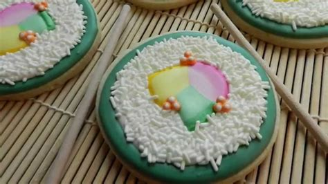 how to decorate a sushi cookie