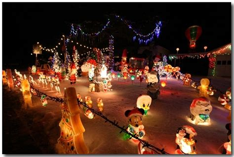 16 photos of green bay s amazing christmas decorated