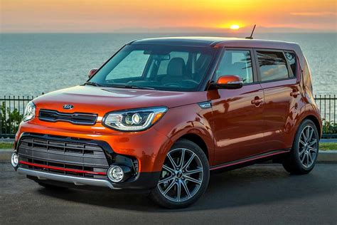 2020 kia soul models 2019 vs 2020 kia soul what s the difference autotrader