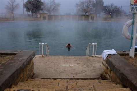 pool picture of balmorhea state park toyahvale
