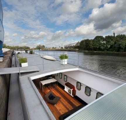 woonboot tjalk te koop wonen op een boot kan dat zomaar hebbes zimmo