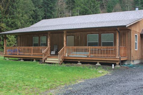 cabin porch 100 homes with porches home plans homestead homes