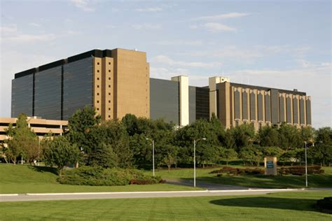 Apartments By Kansas City Hospital Towne Health Providing Valet Service To Patients And
