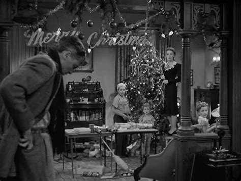 filme stream seiten it s a wonderful life 5 homes from some of our favorite holiday movies