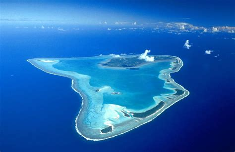 the blue palmerston aitutaki island the wonderful panorama gets ready