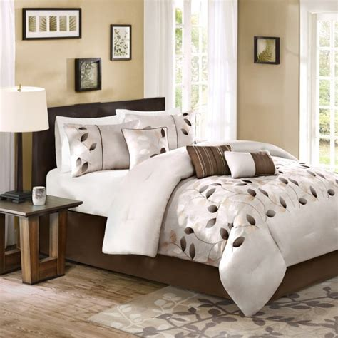 bed bath and beyond bedroom furniture 632 best bed bath beyond images on pinterest bed
