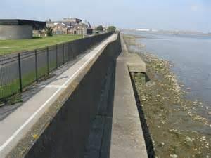 Thames River Wall | river wall river thames at crossness 169 richard rogerson