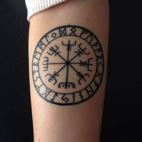 hudson tattoo nordic compass done by kolvenbach from hudson