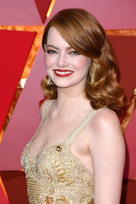 emma stone oscar emma stone oscars 2017 red carpet in hollywood