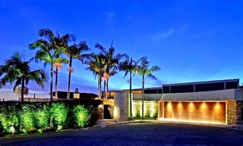 buy house in hollywood hills rent christina aguilera s former hollywood hills home photos
