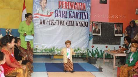 Taman Penitipan Anak kenalkan budaya indonesia tk cita nada gelar fashion show