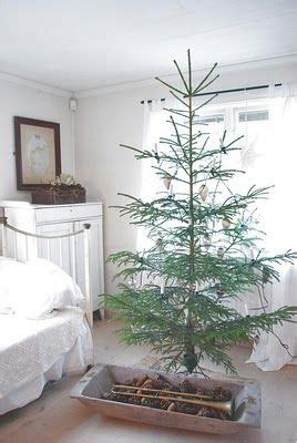 love a sparse tree christmas pinterest