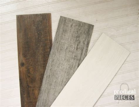 Faux Barn Wood Wall Quilt from Vinyl Flooring   Prodigal