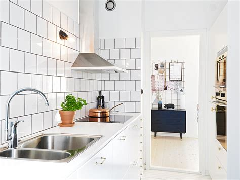 White Tile Kitchen | kitchen subway tiles are back in style 50 inspiring designs