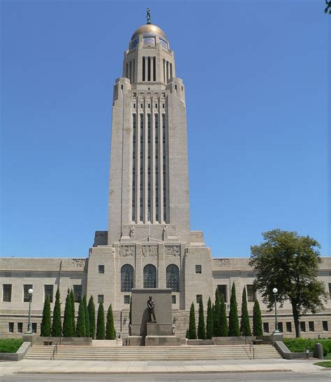 lincoln is the capital of what state file nebraska state capitol from w 2 jpg wikimedia commons