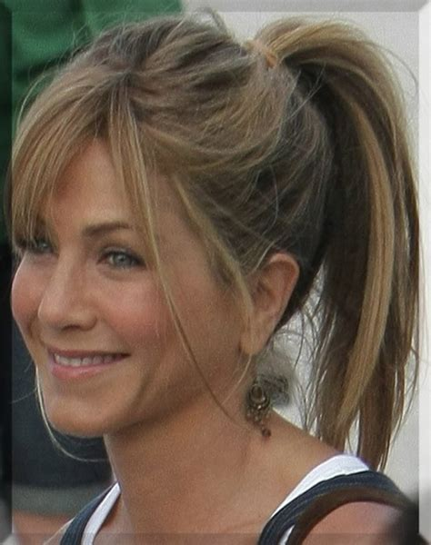 jennifer aniston triangle bangs 8 best haircut images on pinterest hair colors hair cut