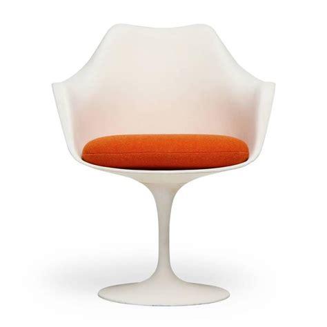 Eero Saarinen Tulip Chair by Tulip Chairs By Eero Saarinen For Sale At 1stdibs