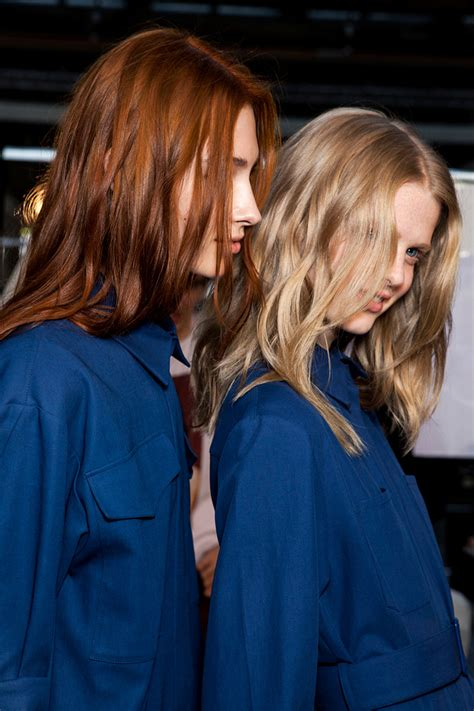Should You Wash Your Hair Before Coloring by Should We Be Washing Our Hair Before We Color Stylecaster