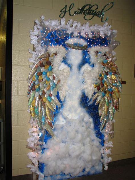 hallelujia angel christmas door decorating contest christmas door decorations door