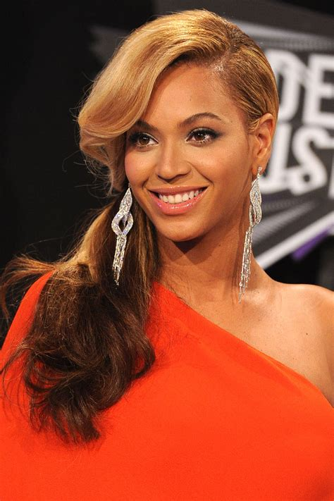 Hairstyles With Real Hair by 40 Beyonce Hairstyles Beyonce S Real Hair Hair And