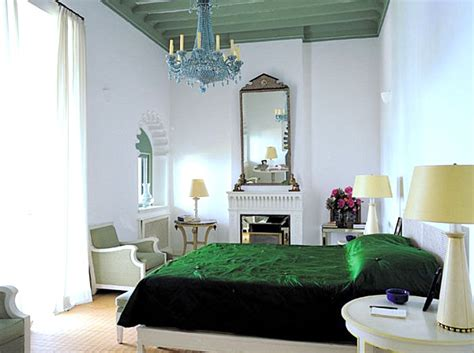 emerald green bedroom dazzling jewel toned decor