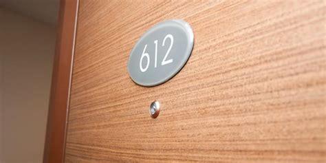lubang intip pintu kamar apartment hotel waspada pada lubang intip pintu kamar hotel kompas