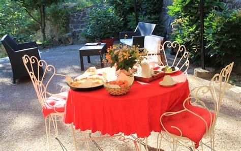 colazione in giardino colazione in giardino agriturismo gli arancini