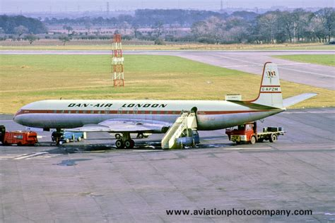4 Dan Air the aviation photo company de havilland comet dan air de havilland comet 4 g apzm at