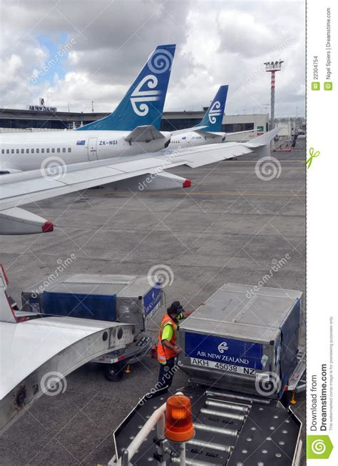 air  zealand cargo handling auckland airport editorial