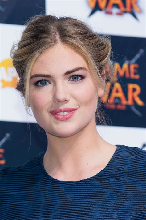 who is the girl in age of war advert kate upton at game of war fire age promotional event