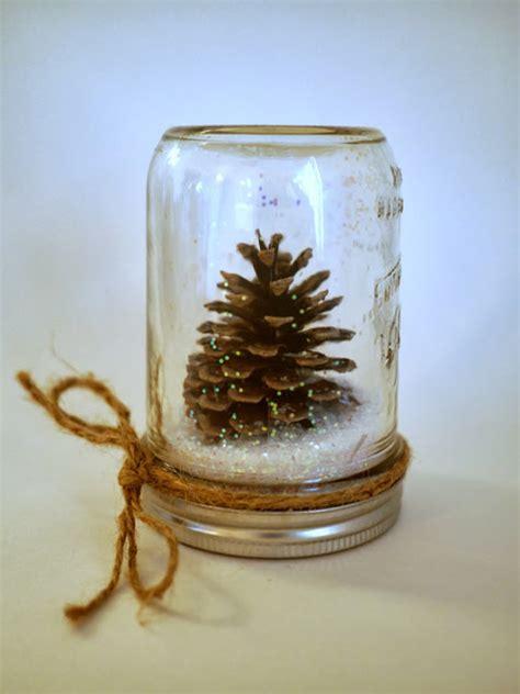 Bush Topiary - pretty winter crafts using pinecones landeelu com