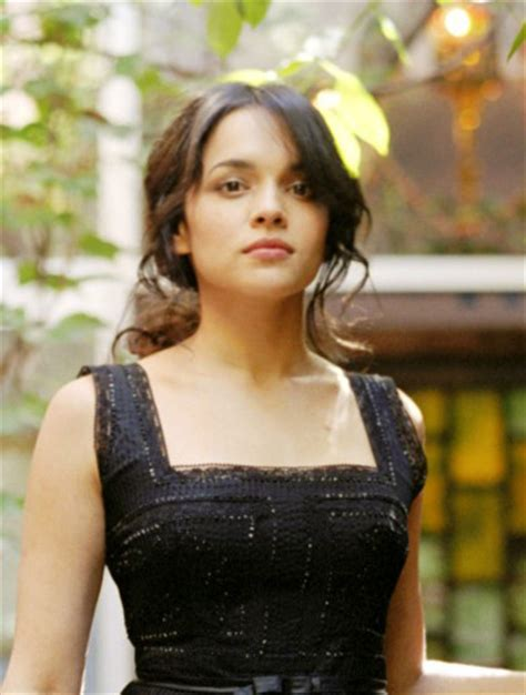norah jones singer norah jones american singer songwriter musician