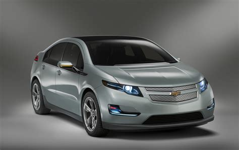 chevrolet volt 2011 chevy volt officially unveiled finally the torque