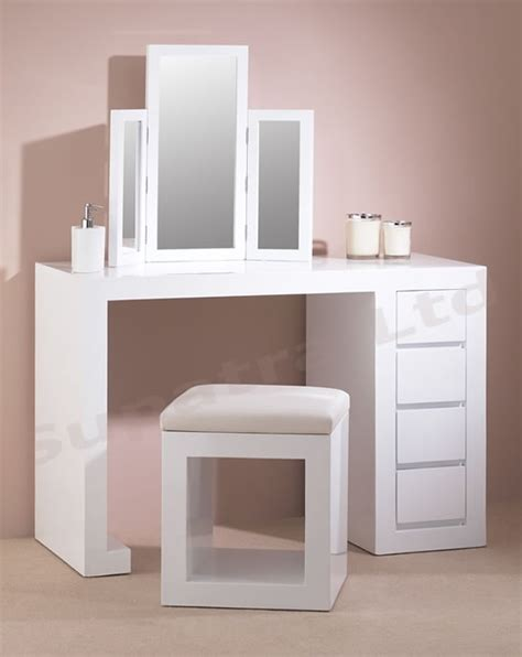 Modern Vanity Table Modern Sleek Dressing Table For The Home Pinterest