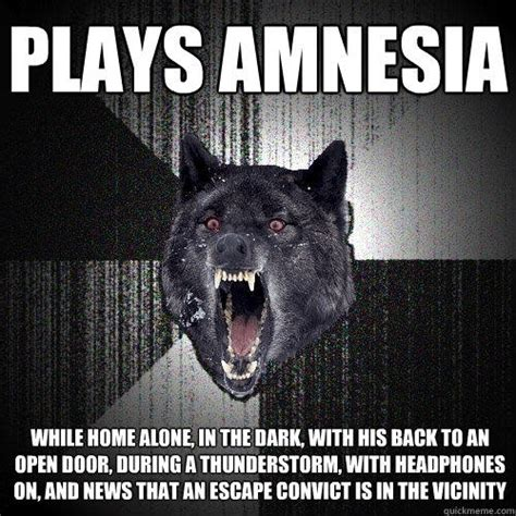 Amnesia Meme - plays amnesia while home alone in the dark with his back