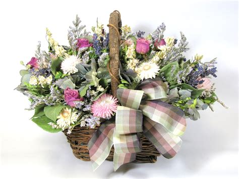 dried flower arrangement lavender and roses