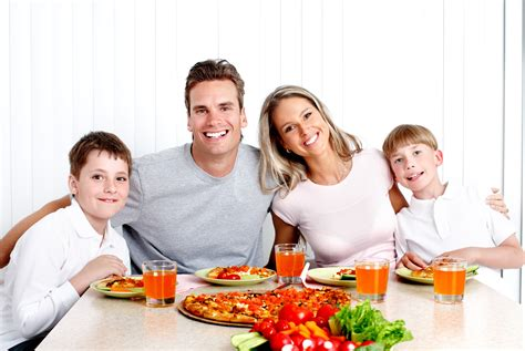 table family family devotions around the dinner table 5 minutes for