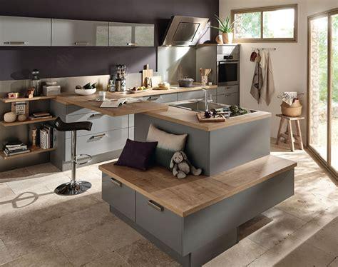 Charmant Mobel Martin Cuisine #5: cuisine-ouverte-avec-ilot-central-et-banc-de-rangement_5390157.jpg