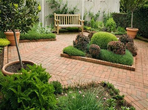 piccoli giardini di casa idee per realizzare piccoli giardini decorazioni per la casa